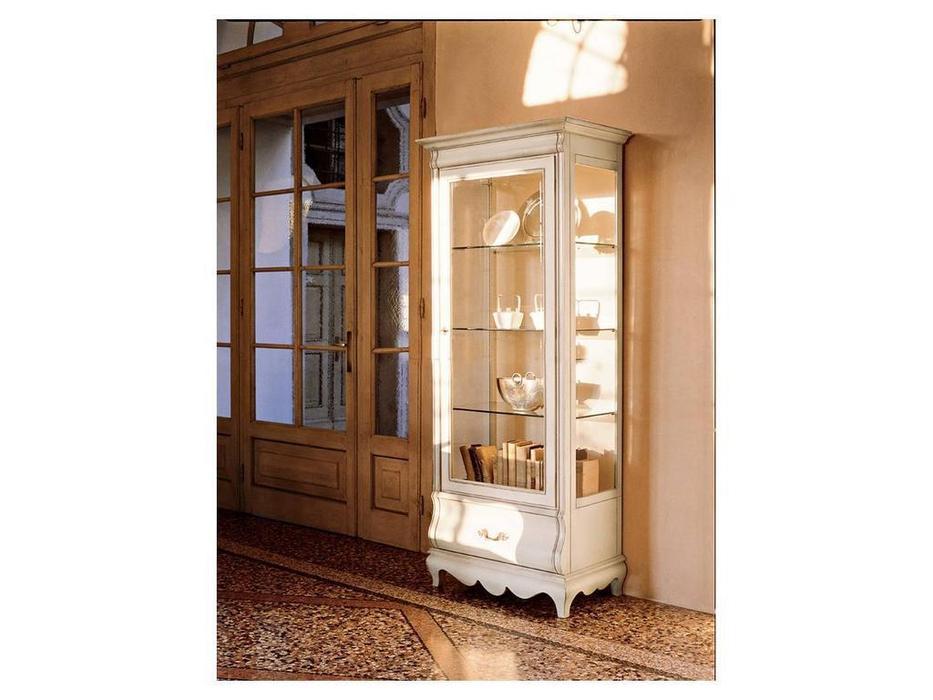 Шкаф-витрина для гостиной своими руками 10